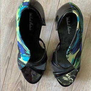 Shoes - Micheal Antonio size 10 very unique heels